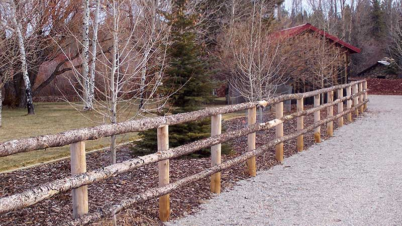 Log Pole Fence ~ Pickaroon timber products